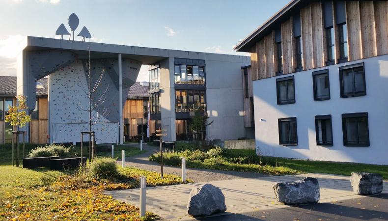 Das VAUDE Firmengebäude: Auch das große Innovationspotenzial gehört zu den traditionellen Werten des Unternehmen.