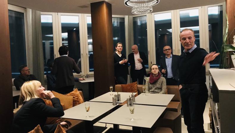 Jürgen Räffle über den aquaTurm, das weltweit 1. Nullenergiehochhaus